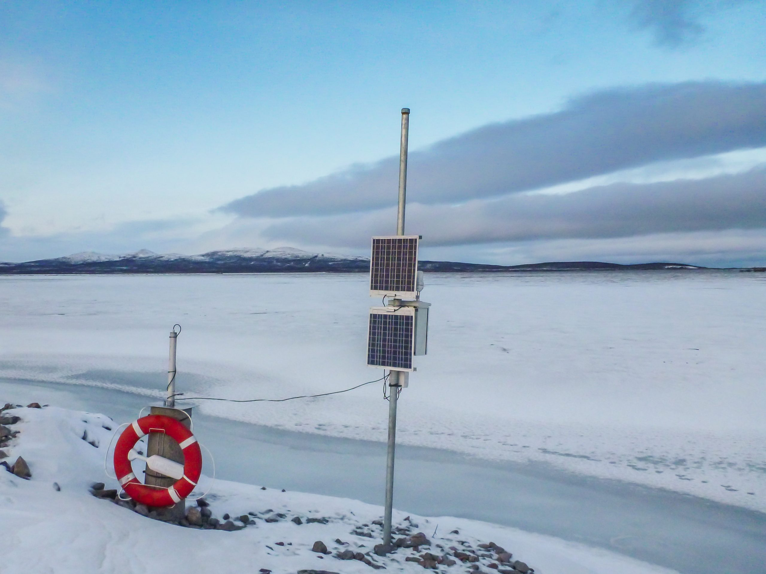 LevelCatchR measuring water lavel in a tailing dam above the Artic circle